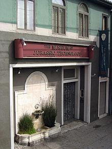 220px-Museum_of_Jurassic_Technology_Facade_-_9341_Venice_Blvd._in_Culver_City,_CA
