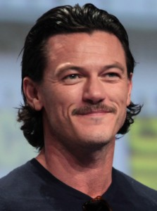 luke_evans_2014_comic_con_cropped